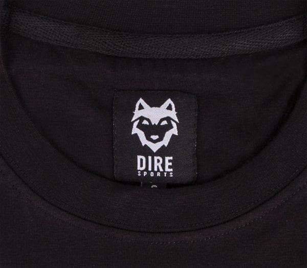 Detail binnen label DIREsports zwarte DIRE T-shirts
